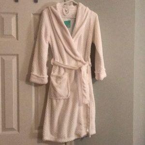 Ulta Beauty Intimates & Sleepwear - NEW ulta fluffy robe size S/M